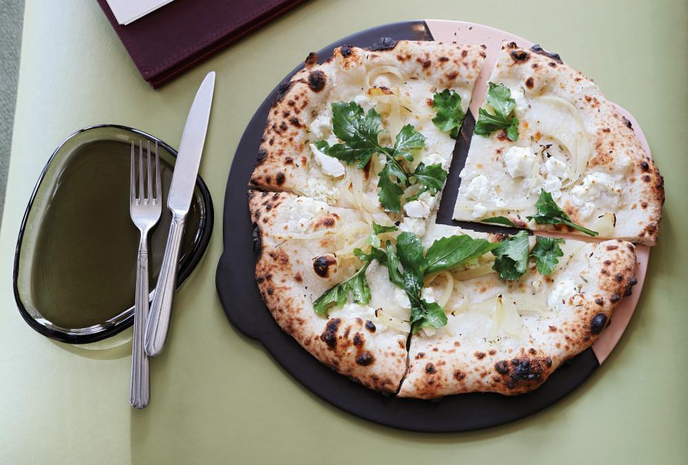 Saint Restaurant Pizza Bianco
