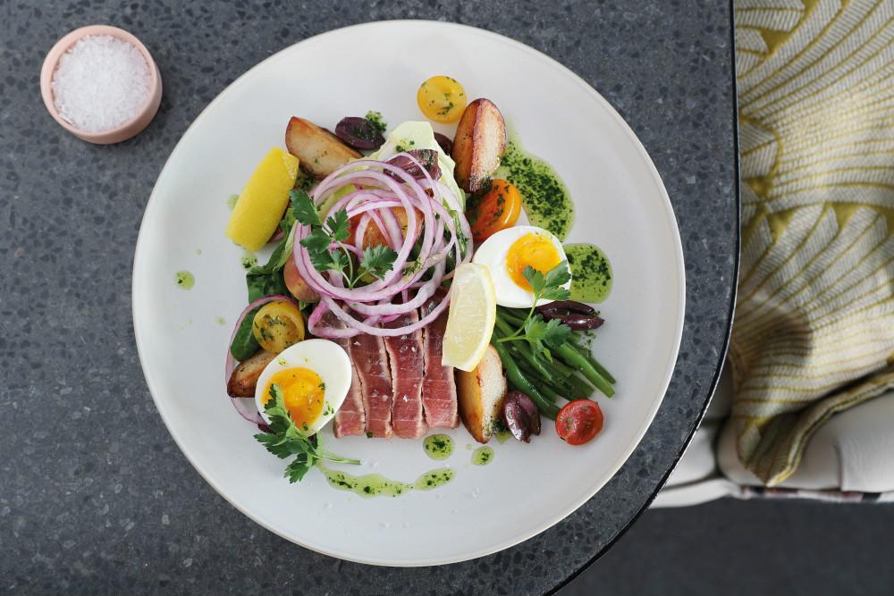 Saint Restaurant Salad Nicoise