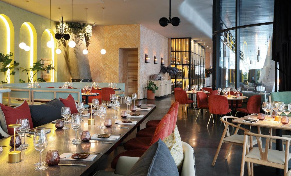 Saint - Restaurant Interior