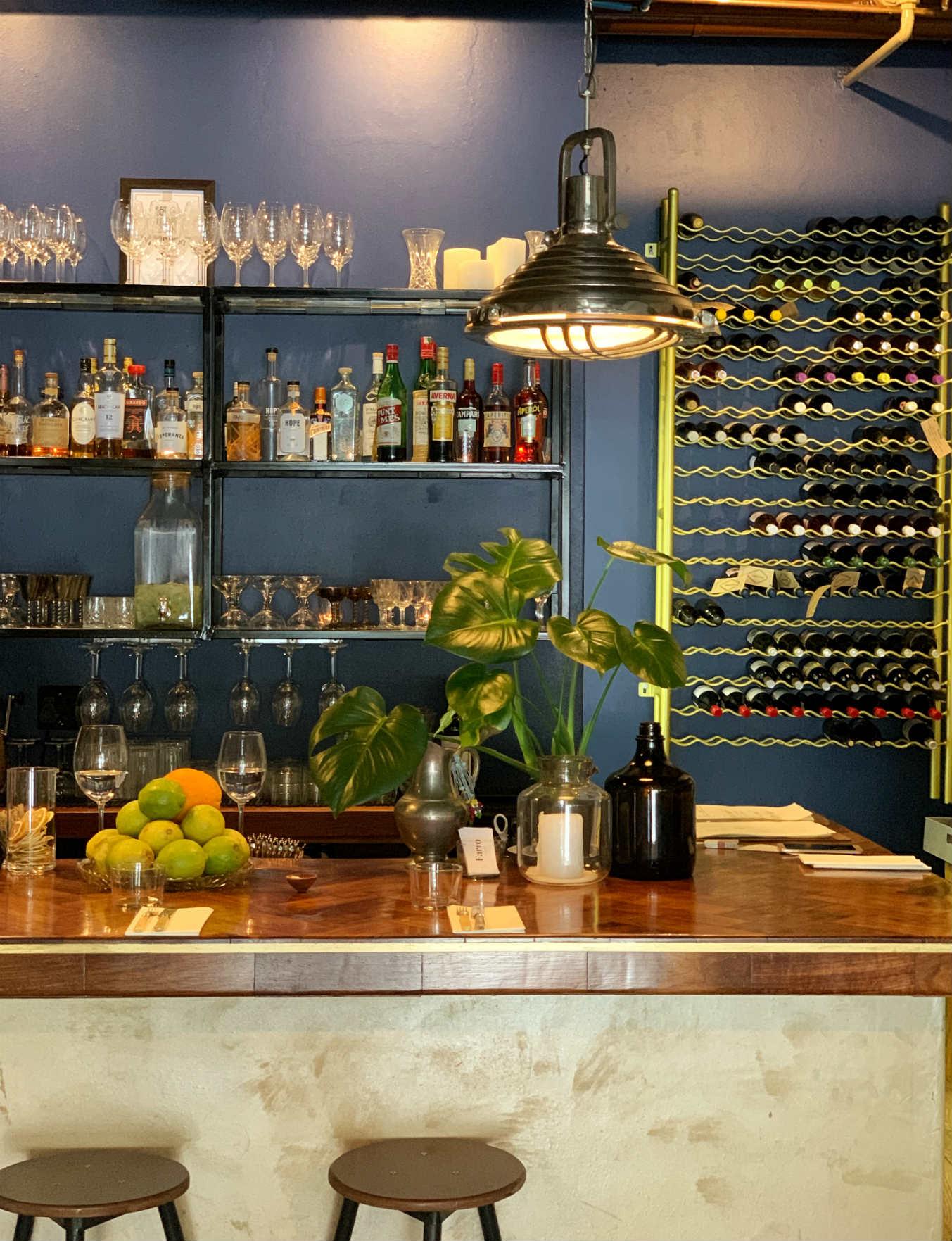 Farro Illovos bar