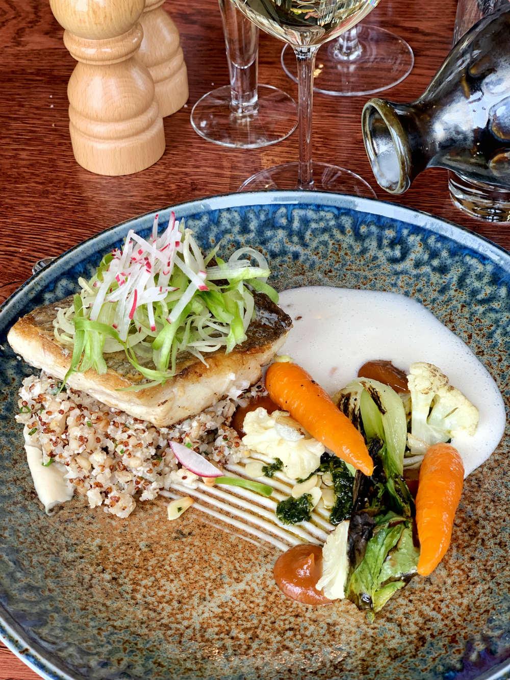 Linefish, barley, quinoa, pak choi, cauliflower, lime, truffle, lemongrass, almond paired De Grendel Koetshuis Sauvignon Blanc 2018